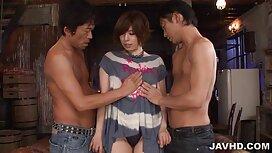 Plavuša je akheno tub porn film povučena padobranom