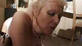 Simpatični kolekcionar namještaja jebe mladu crnku porno mouve u analu