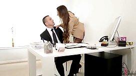 Muzhik 4k video porno Miša prsteći kurac dok je supruga na poslovnom putovanju