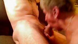Prsata, seksi ljubavnica jebe roba vezanog za stol 4k video porno