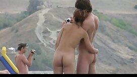 Mlada pilić pušta porno ixxx puhanje u kupaonici