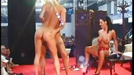 Horny Layla je jebeno muškarac porno ixxx u studiju
