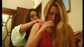 Prekrasna plavuša usisava crnce u hotelskoj sobi video porno mom son
