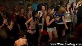 Mlada Rachael Madori voli BDSM i film porno xnnx pala je u podrum perverznjaka