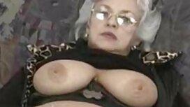 Nemojmo gnjaviti šarmantne dame Jackie i Nicole, porno tube 2012 već se samo divimo njihovim nježnim lezbijskim milovanjima, kako ih strastveno dodiruju pohlepnim vrućim usnama