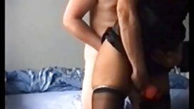Julia Roca masturbira mokru macu tub porn film